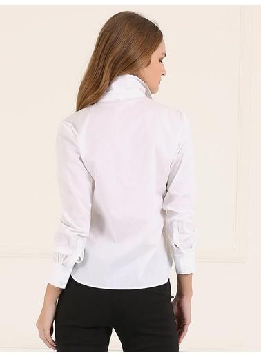 İşlemeli Ve Nakışlı Gömlek-Faik Sönmez